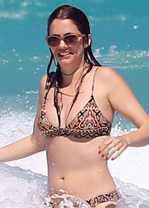 Julie Gonzalo Bikini In Miami-06