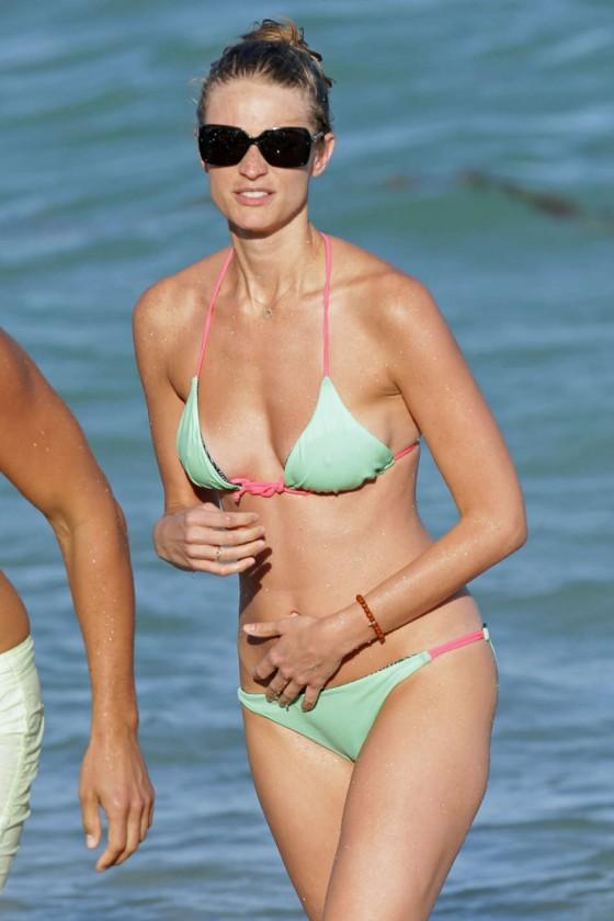 Julie Henderson Bikini Photos: 2014 Candids -06