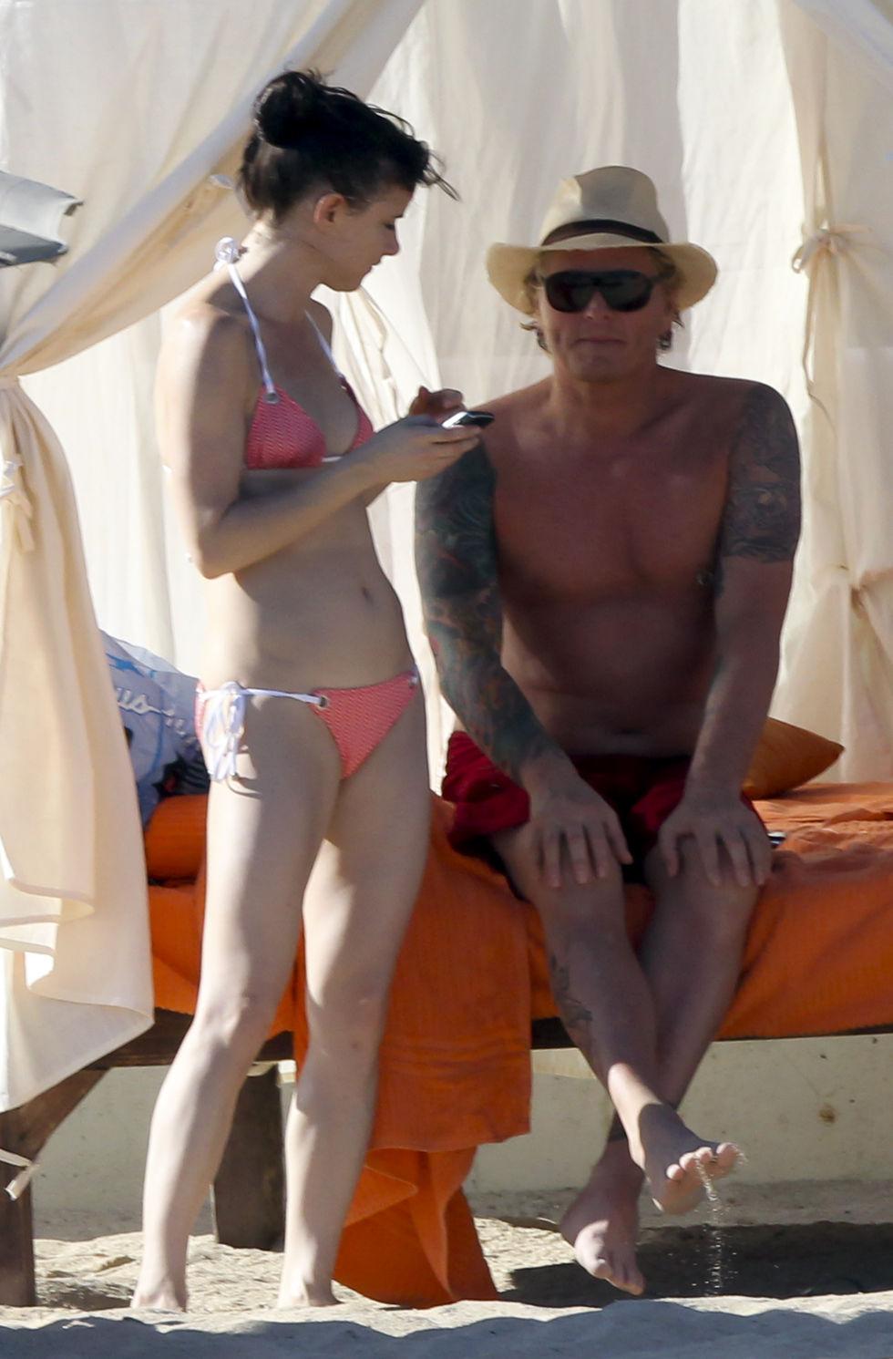 Back to post Juliette Lewis     Bikini on the Beach in Los CabosVicki Lewis Body