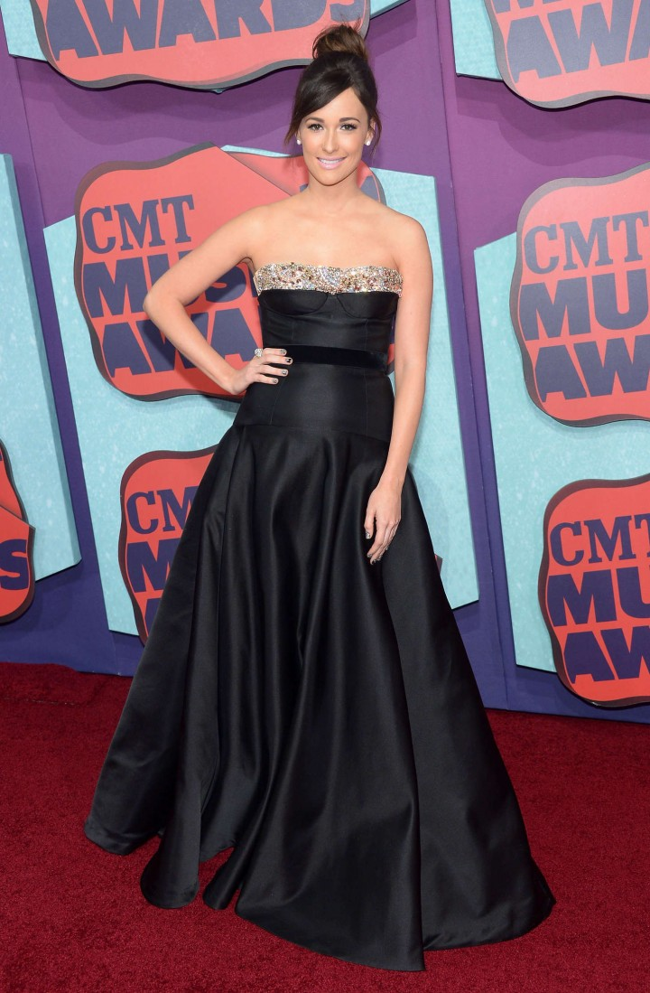 Kacey Musgraves: 2014 CMT Music Awards -01