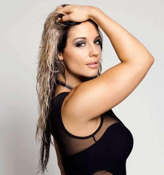 Kaitlyn     WWE Magazine  December 2012 Wwe Kaitlyn Hair 2013