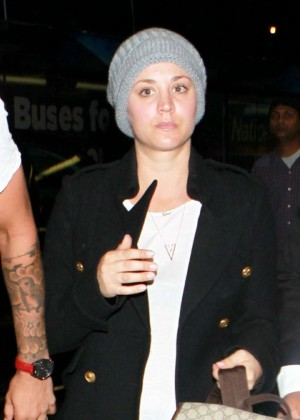 Kaley Cuoco and Ryan Sweeting were both wearing beanies at LAX