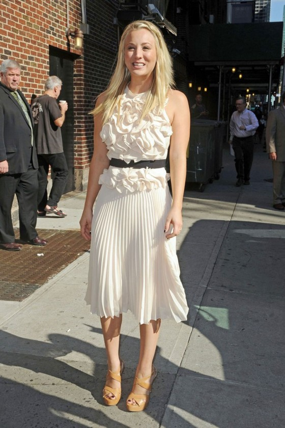 Kaley Cuoco – In White Dress at Late Show with David Letterman-11