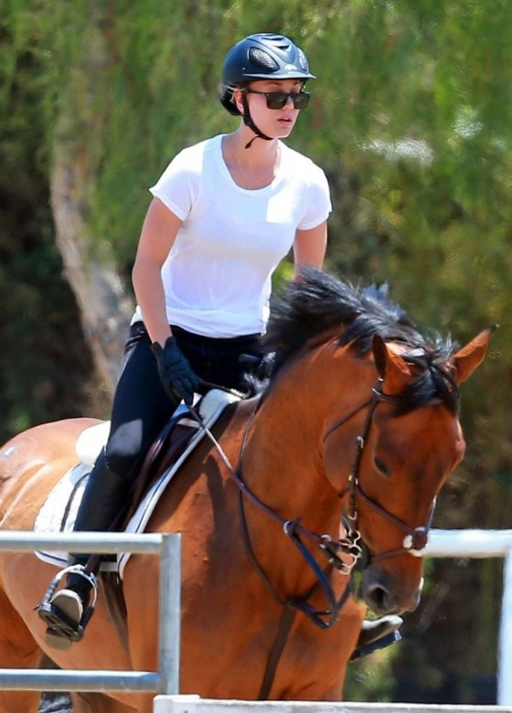 Kaley Cuoco – riding a horse in LA-18