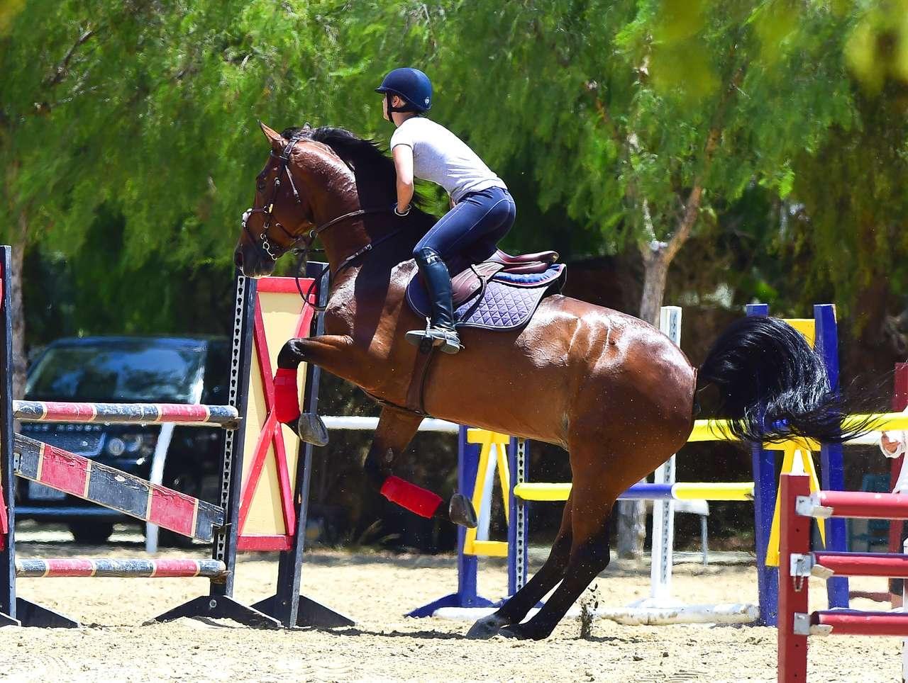 Kaley Cuoco Riding Horse In La Gotceleb