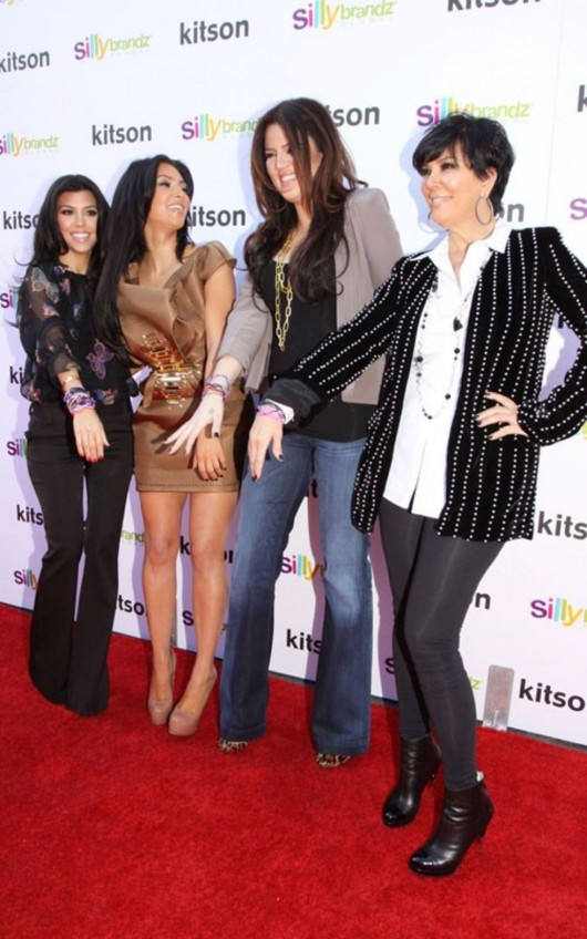 kardashian-sisters-at-the-kitson-shop-05