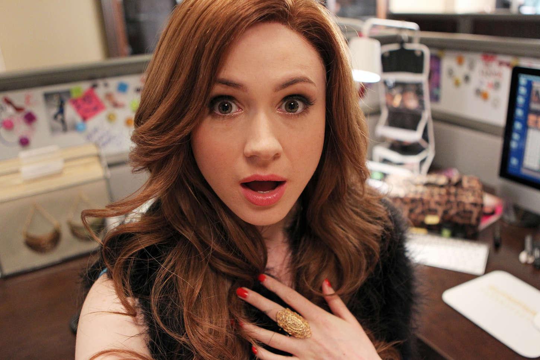 Karen-Gillan---Selfie-1st-Season-Promos-