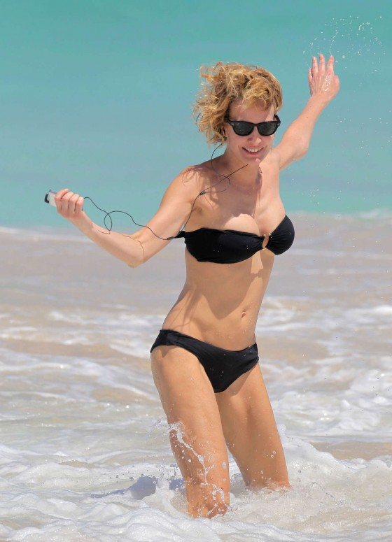Karen Mulder - bikini candids in St Barts -07 - GotCeleb