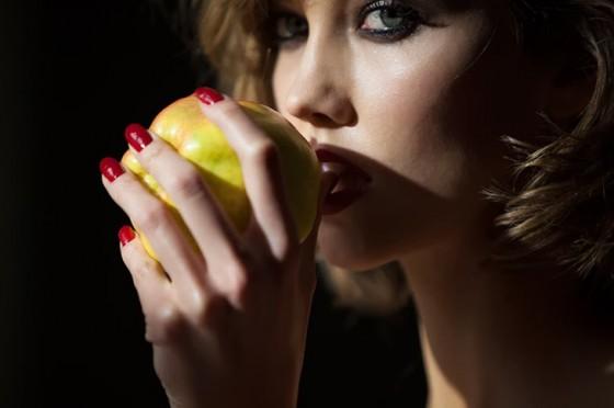 Karlie Kloss: Tamara Mellon 2014 -05