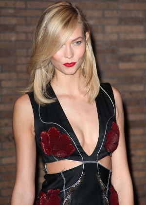 Karlie Kloss - Glamour 2014 Women Of The Year Awards in New York