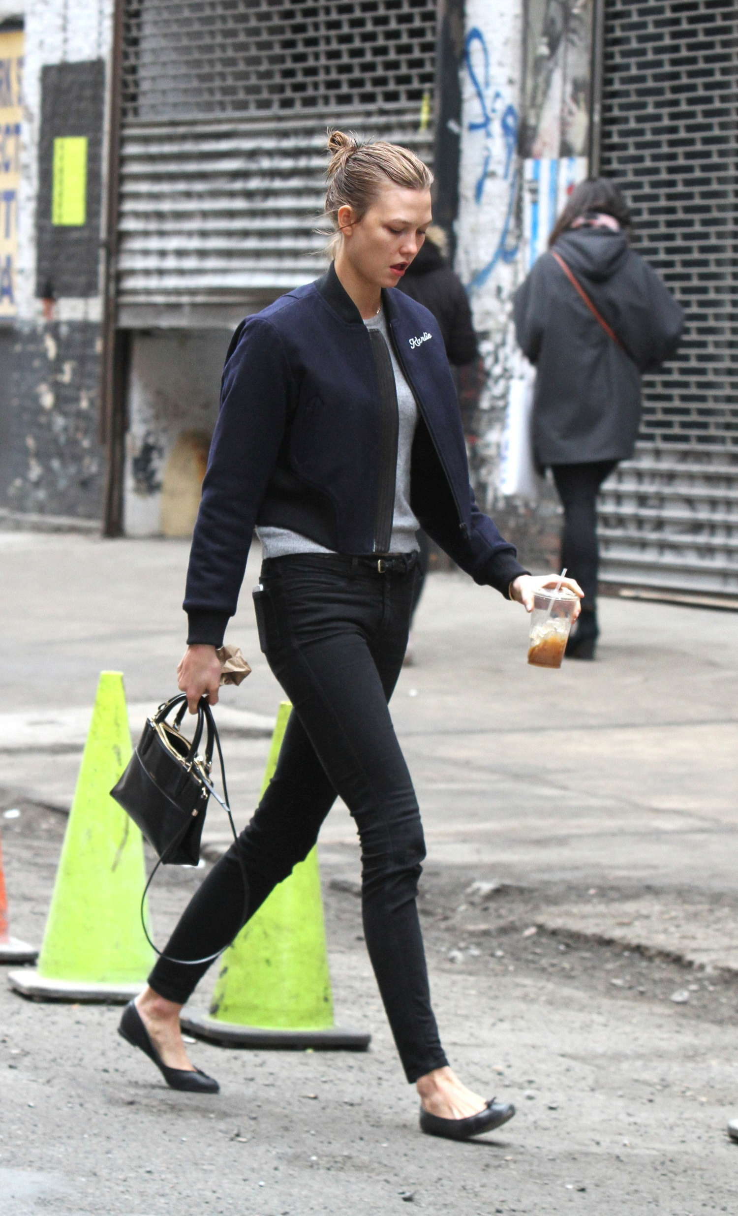 Karlie Kloss 2014 : Karlie Kloss in Tight Jeans -10