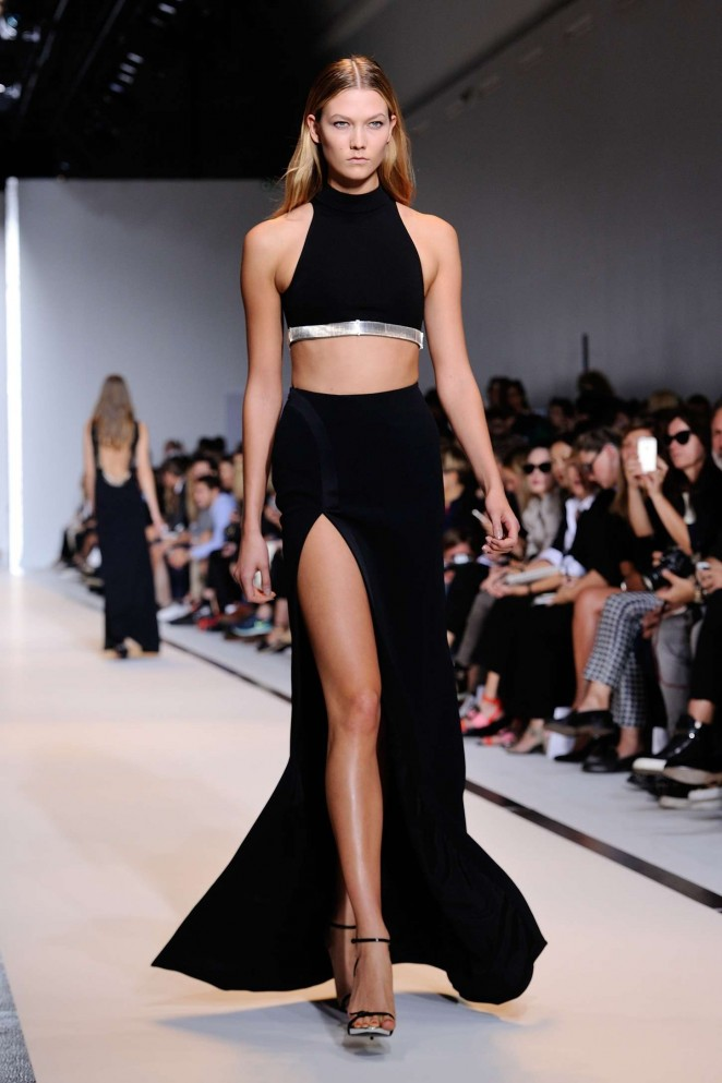Karlie Kloss - Mugler Catwalk Show SS 2015 in Paris