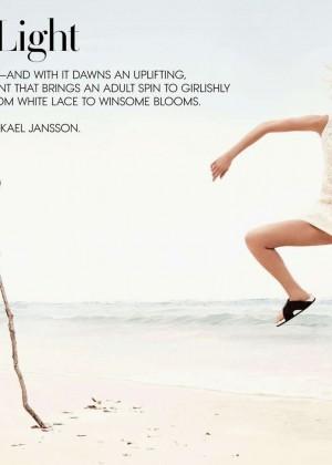 Karlie Kloss: Vogue Us Magazine -08