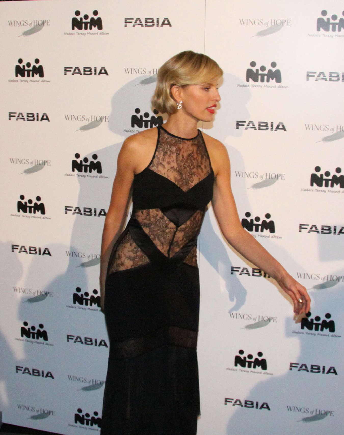 Karolina Kurkova 2014