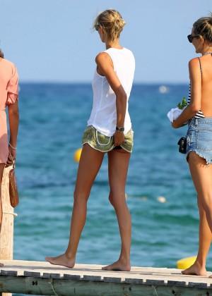 Karolina Kurkova in shorts leaving Club 55 in St. Tropez-04