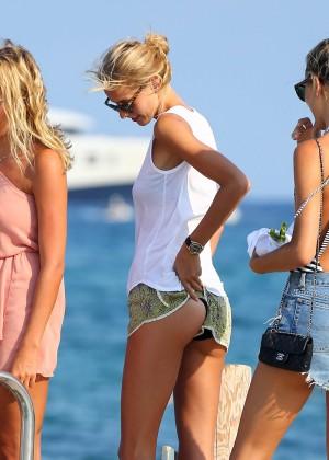 Karolina Kurkova in shorts leaving Club 55 in St. Tropez-11