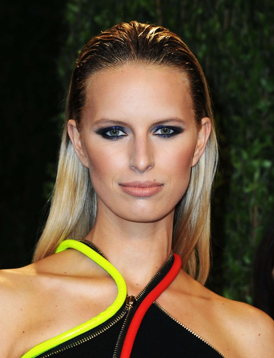 Karolina Kurkova – Oscar 2013 – Vanity Fair Party -01