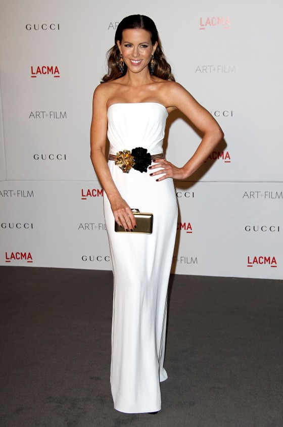 Kate Beckinsale Hot in White Dress at LACMA Gala in Los Angeles-01