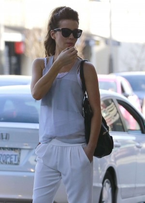 Kate Beckinsale out in Brentwood -01