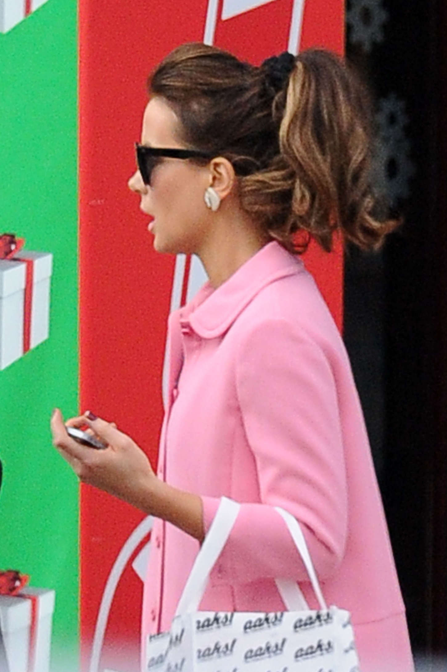 Kate Beckinsale 2014 : Kate Beckinsale in Pink Coat at Christmas Shopping -13