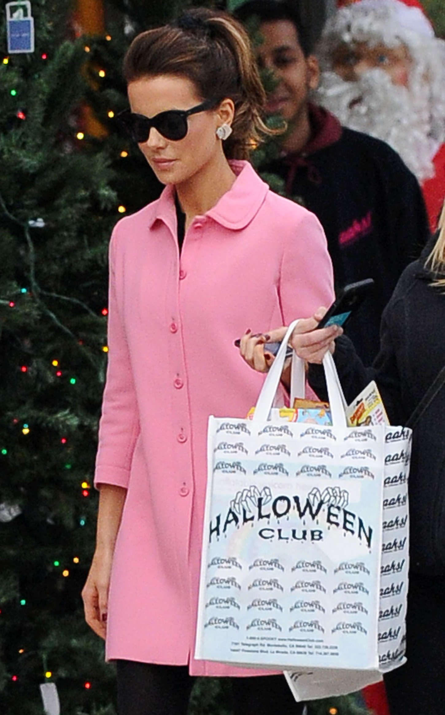 Kate Beckinsale 2014 : Kate Beckinsale in Pink Coat at Christmas Shopping -16