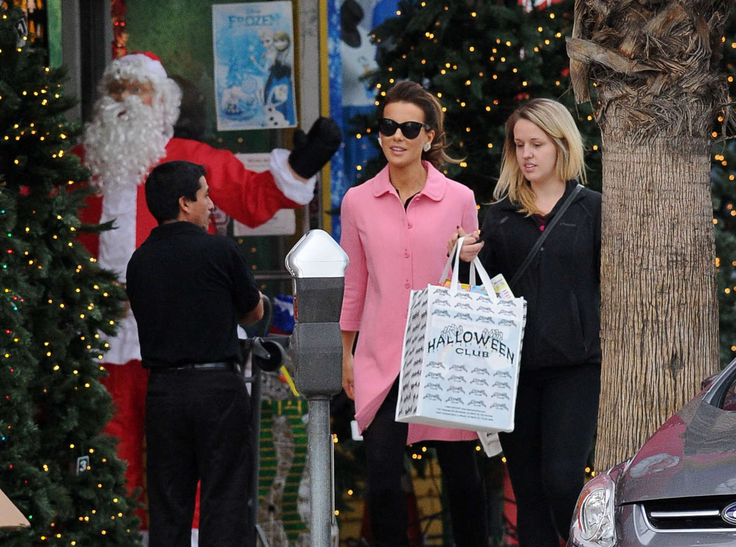 Kate Beckinsale 2014 : Kate Beckinsale in Pink Coat at Christmas Shopping -20