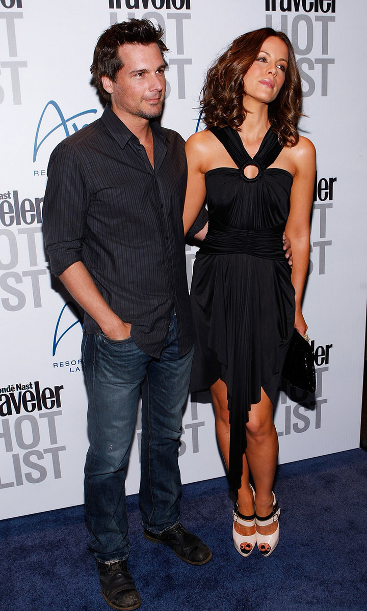Kate Beckinsale 2010 : kate-beckinsale-conde-nast-traveler-hot-list-party-haze-nightclub-in-lv-08