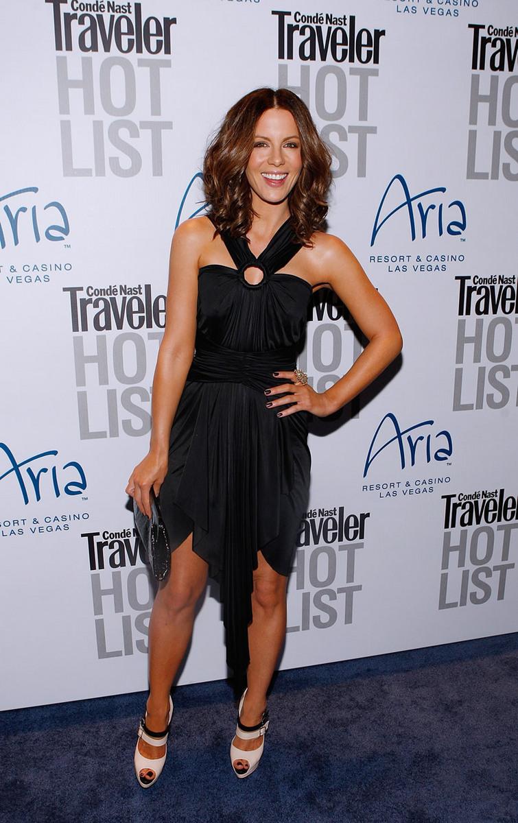 Kate Beckinsale 2010 : kate-beckinsale-conde-nast-traveler-hot-list-party-haze-nightclub-in-lv-11