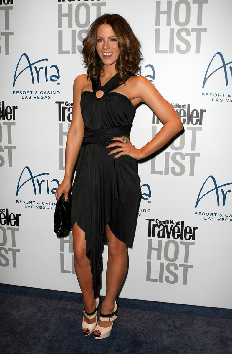 Kate Beckinsale 2010 : kate-beckinsale-conde-nast-traveler-hot-list-party-haze-nightclub-in-lv-16