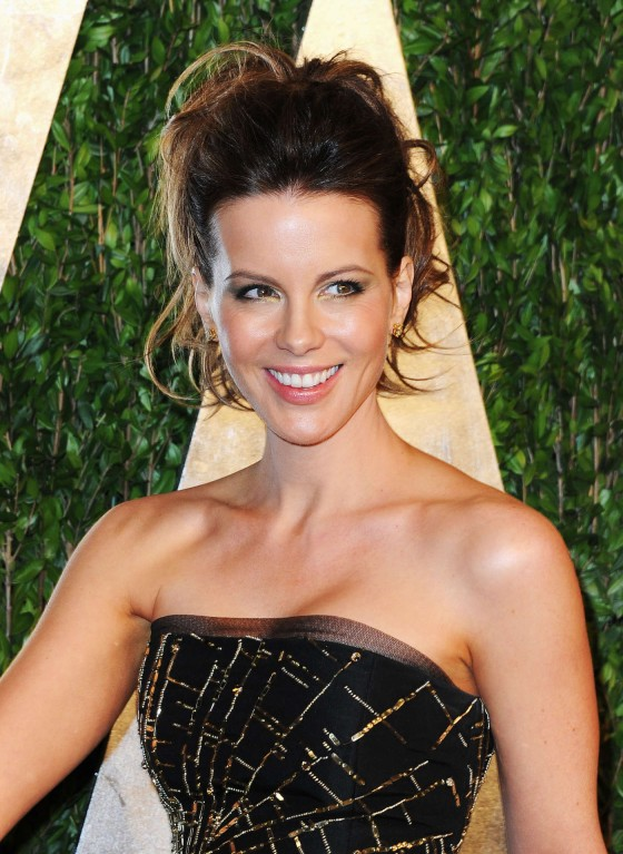 Kate Beckinsale – Oscar 2013 – Vanity Fair Party -05
