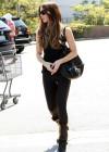Kate Beckinsale - shopping candids -07