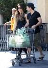 Kate Beckinsale - shopping candids -26