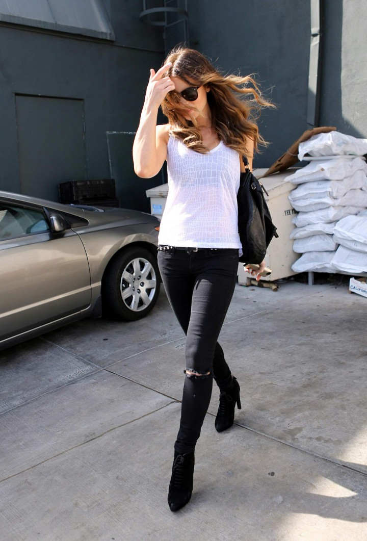 Kate Beckinsale - Spotted at Tavern Restaurant in Brentwood