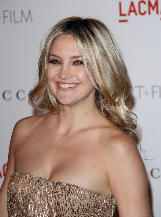 Kate Hudson Cleavage at 2011 LACMA Art and Film Gala-08