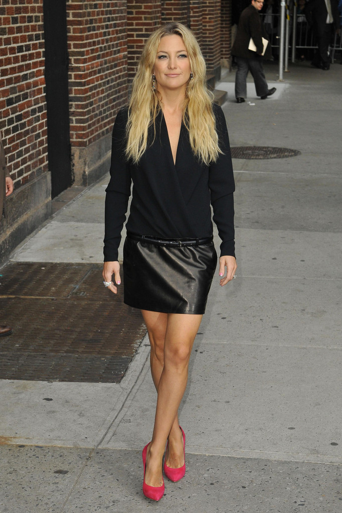 Kate Hudson in black leather mini-skirt-06 - GotCeleb