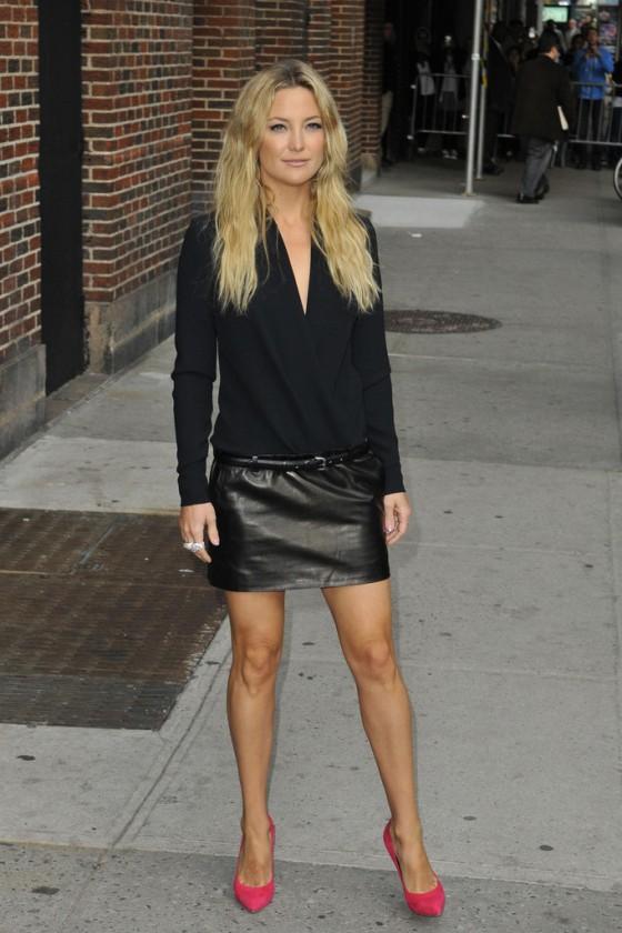 kate hudson in black leather mini skirt 13 gotceleb