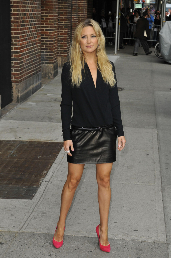 kate hudson in black leather mini skirt 16 gotceleb