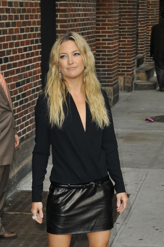 kate hudson in black leather mini skirt 30 gotceleb