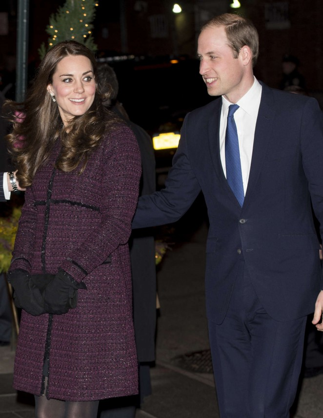 Kate Middleton and Prince William arrive at The Carlyle Hotel in New York -09
