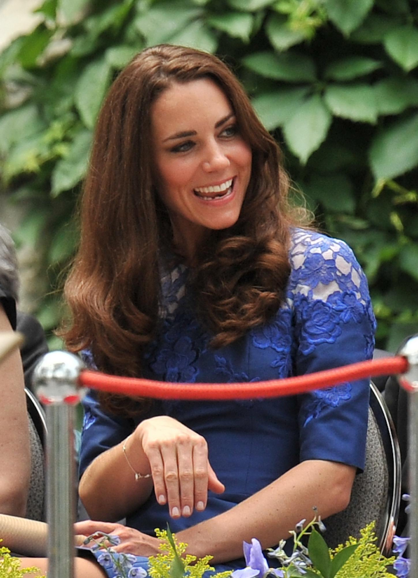 Kate Middleton in Blue Dress at Freedom of the City Ceremony in Quebec-04