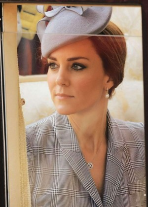 Kate Middleton - Hello UK Magazine (November 2014)
