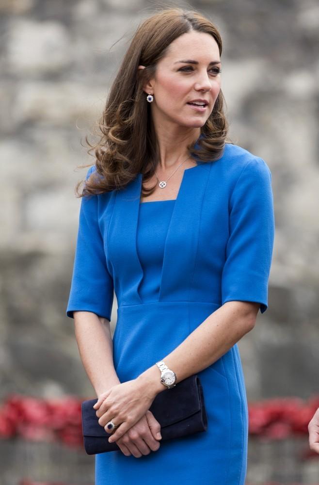 Kate Middleton at Stunning Ceramic Poppy Installation in London