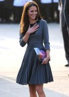 Kate Middletonn in cute dress visits Dulwich Picture Gallery-01