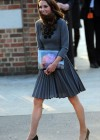 Kate Middletonn in cute dress visits Dulwich Picture Gallery-08