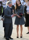 Kate Middletonn in cute dress visits Dulwich Picture Gallery-18
