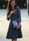 Kate Middletonn in cute dress visits Dulwich Picture Gallery-30