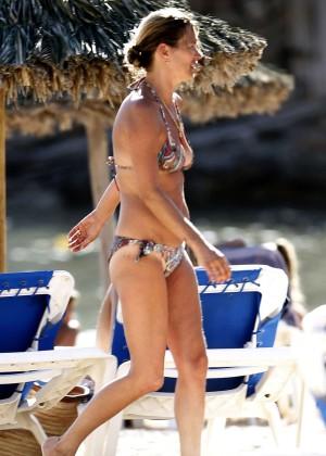 Kate Moss and Naomi Campbell in Bikini -06