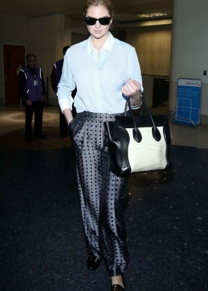 Kate Upton at LAX -04