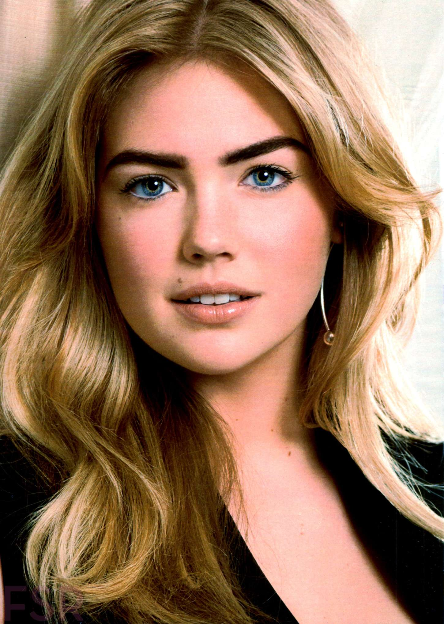 Kate Upton - Cosmopolitan USA Magazine (October 2014)