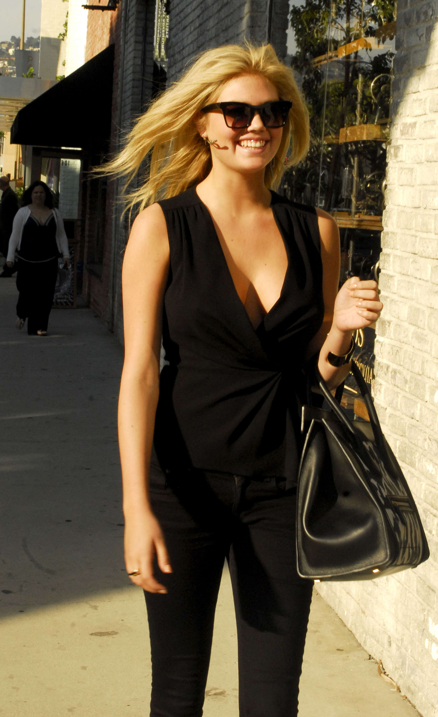 Kate Upton – Hot Cleavage Candids in Beverly Hills-11